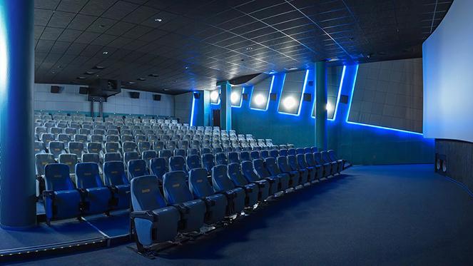 Билеты по студенческому в кино владивосток цена билетов на концерт леди гага